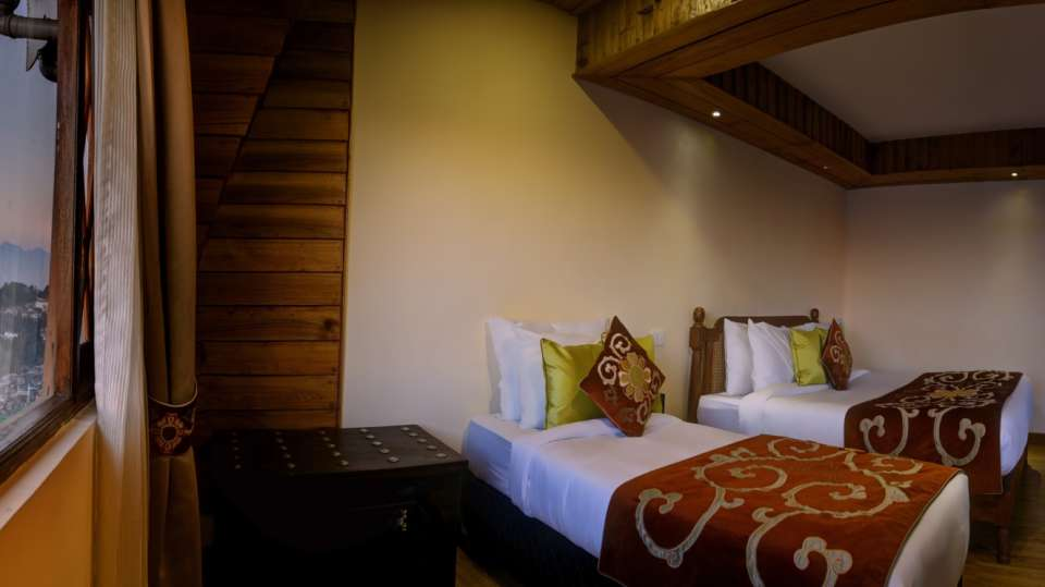 Delxue Triple Rooms in Darjeeling at Summit Hermon Hotels in Darjeeling 2