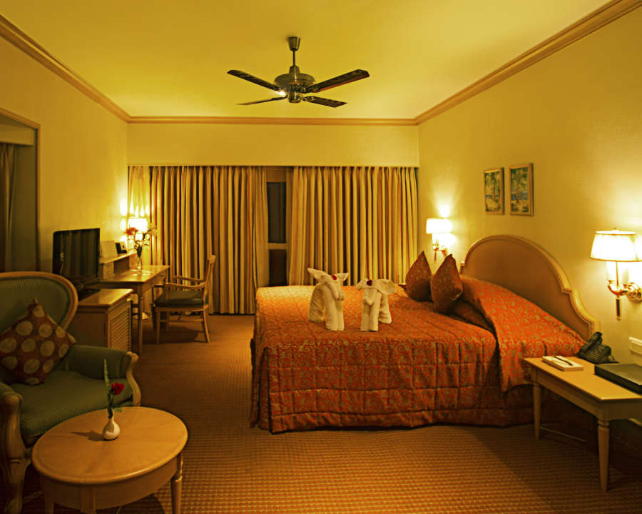 alt-text Premium Suites at The Carlton Hotel , Kodaikanal Resorts , Suites in Kodaikanal 6
