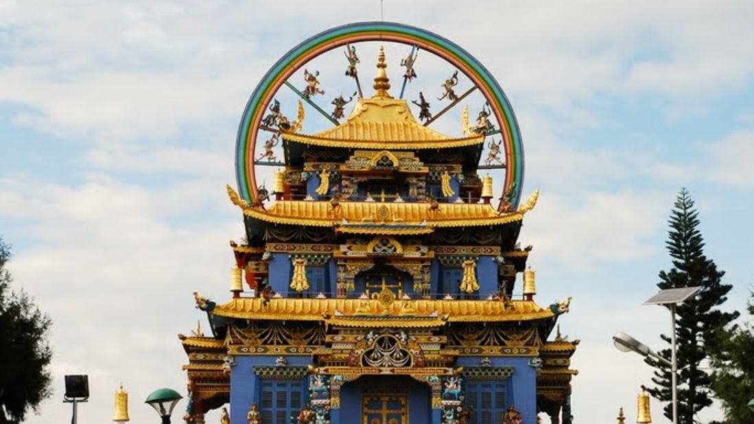 Stay Simple Resorts  GoldenTemple-Roof-2