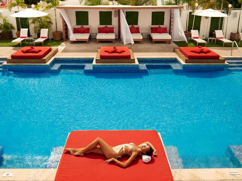 Spanish Court Kingston, Cabana Pool-5