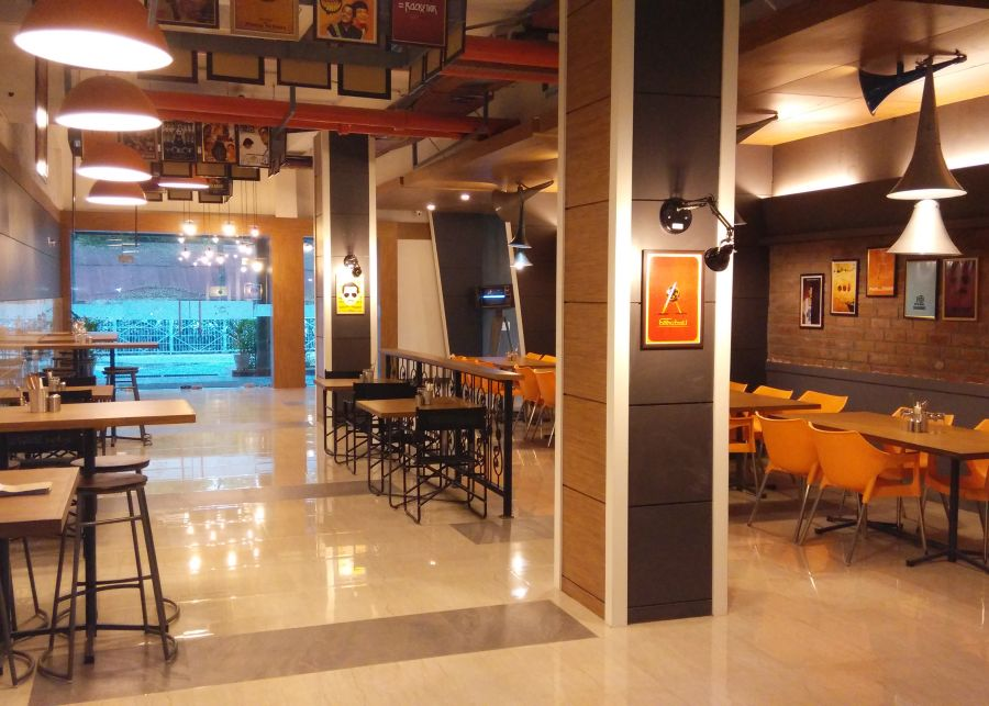 alt-text Restaurant Hotel Polo Max Jabalpur