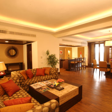 Deluxe Suite Living Room The Retreat Hotel and Convention Centre Malad Mumbai vv5e2z