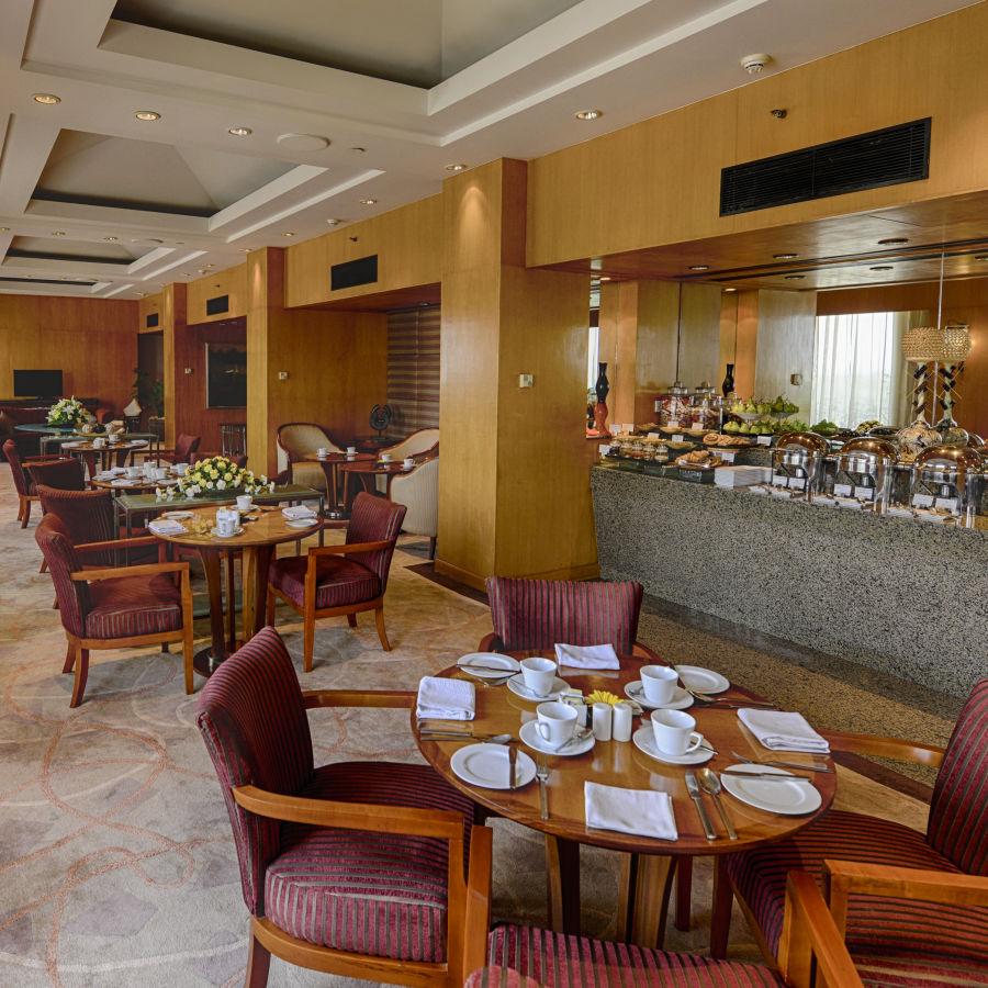 alt-text Grand Club Lounge, The Grand New DelhI