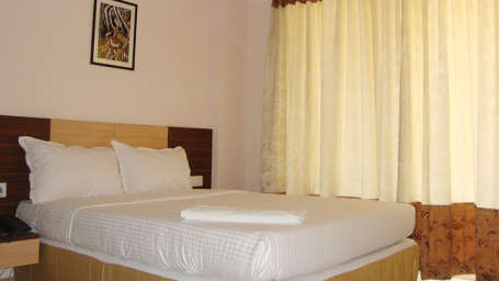 Hotel Raj Comforts, near Old Airport Road, Bangalore Bangalore deluxe rooms 1 hotel raj comforts near old airport road bangalore