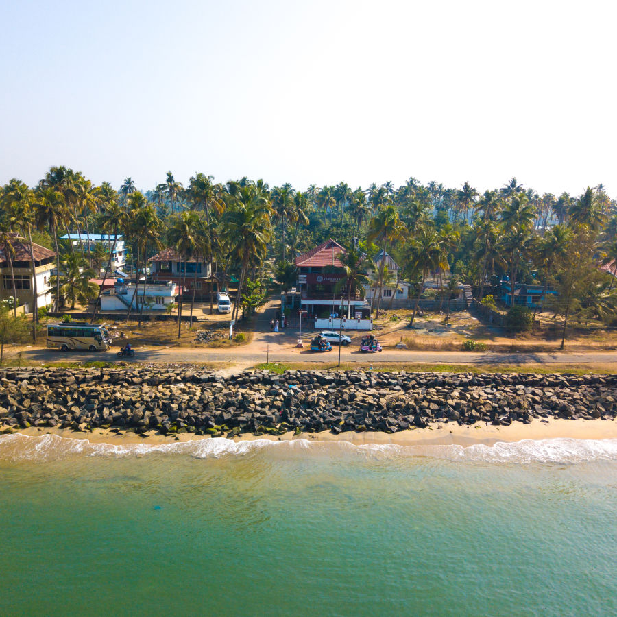 alt-text Cherai Hotel, Sapphire Club Cherai Beach Villa, Hotels In Cherai
