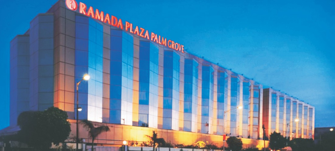 Facade of Hotel Ramada Plaza Palm Grove Juhu Mumbai, hotel near Juhu beach