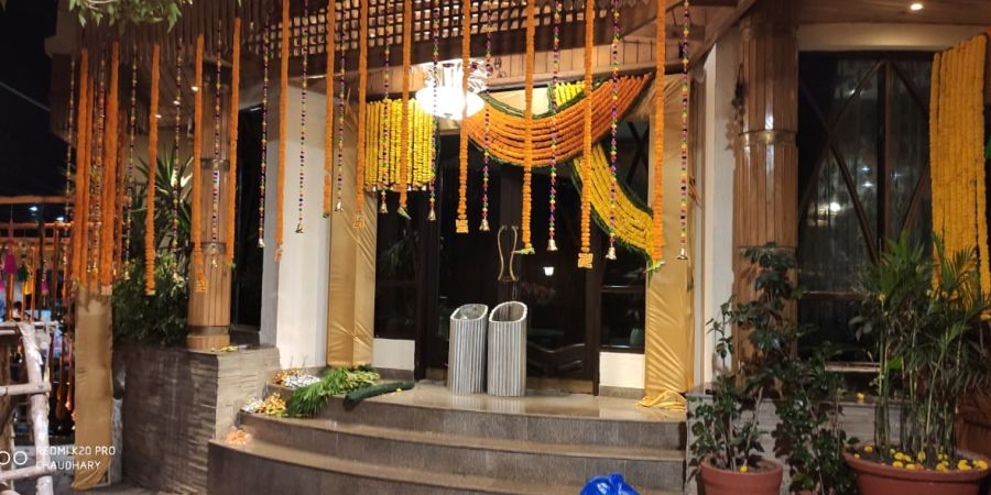 alt-text Banquet hall at Hotel Mount View, Weddings in Dalhousie, Banquet Hall in Dalhousie 5