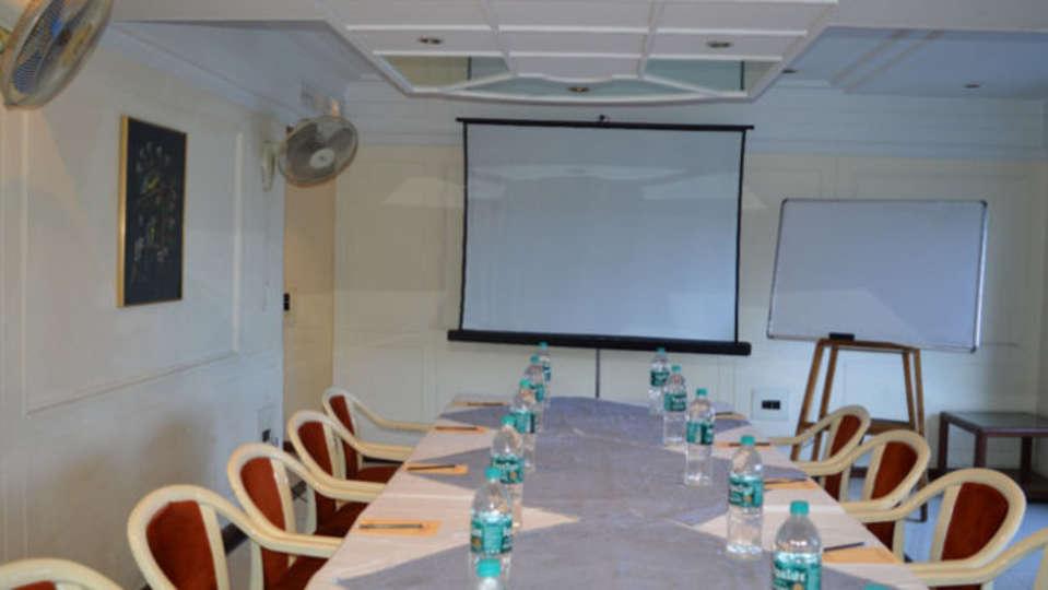 Area 501 Hotel Kohinoor Executive Deccan Gymkhana Pune 2