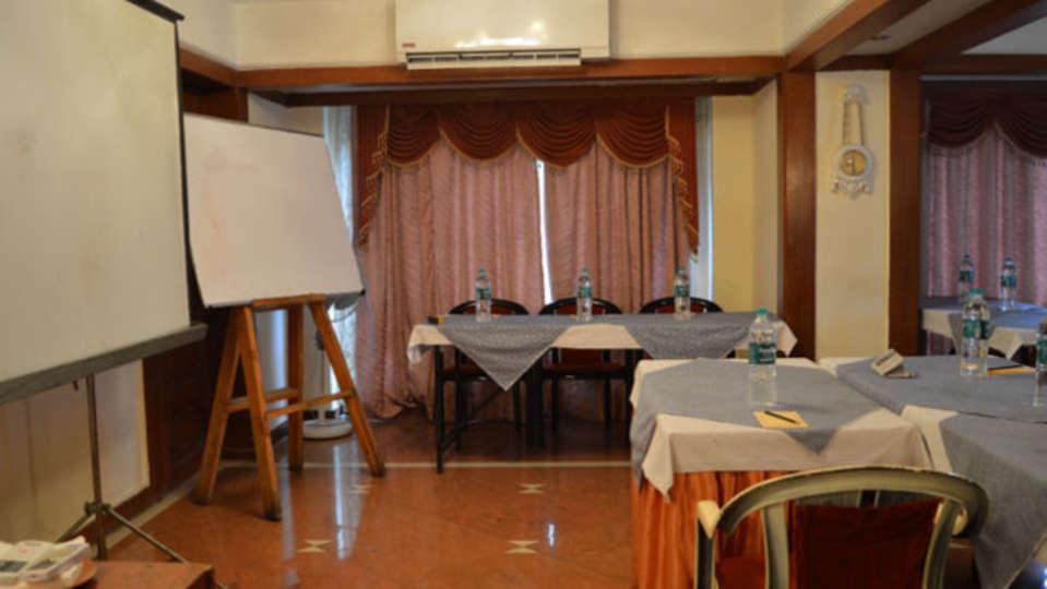Area 506 Hotel Kohinoor Executive Deccan Gymkhana Pune 3