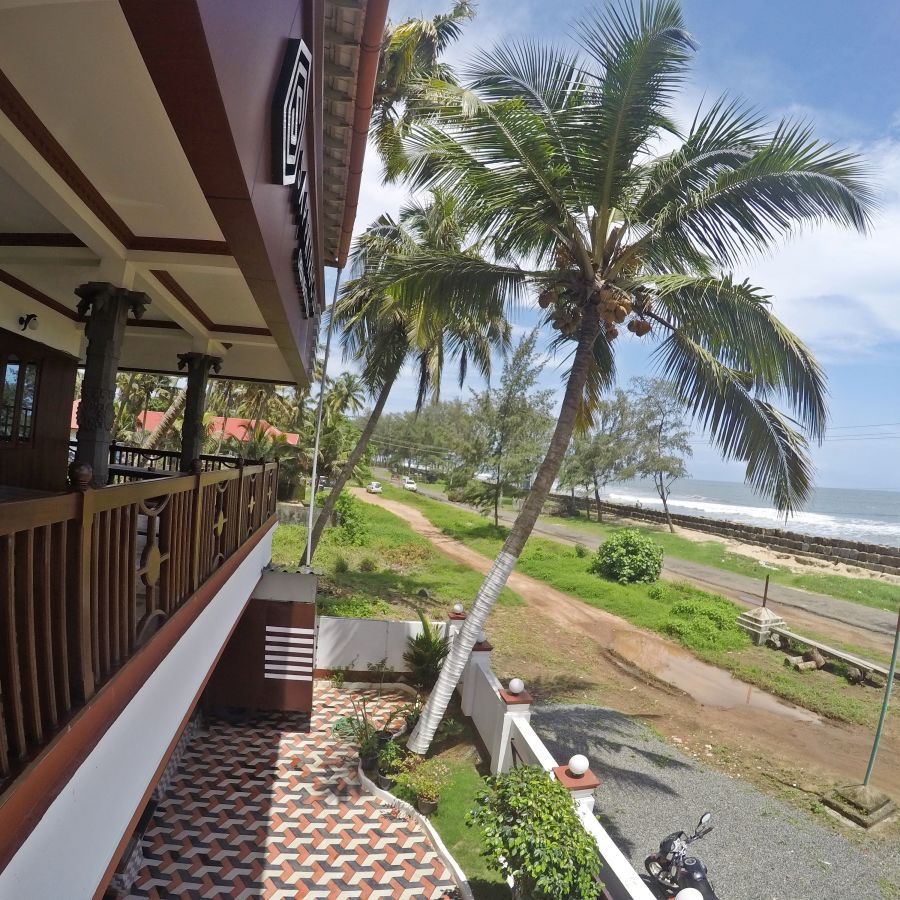 alt-text Hotels In Cherai, Sapphire Club Cherai Beach Villa, Cherai Hotel 1