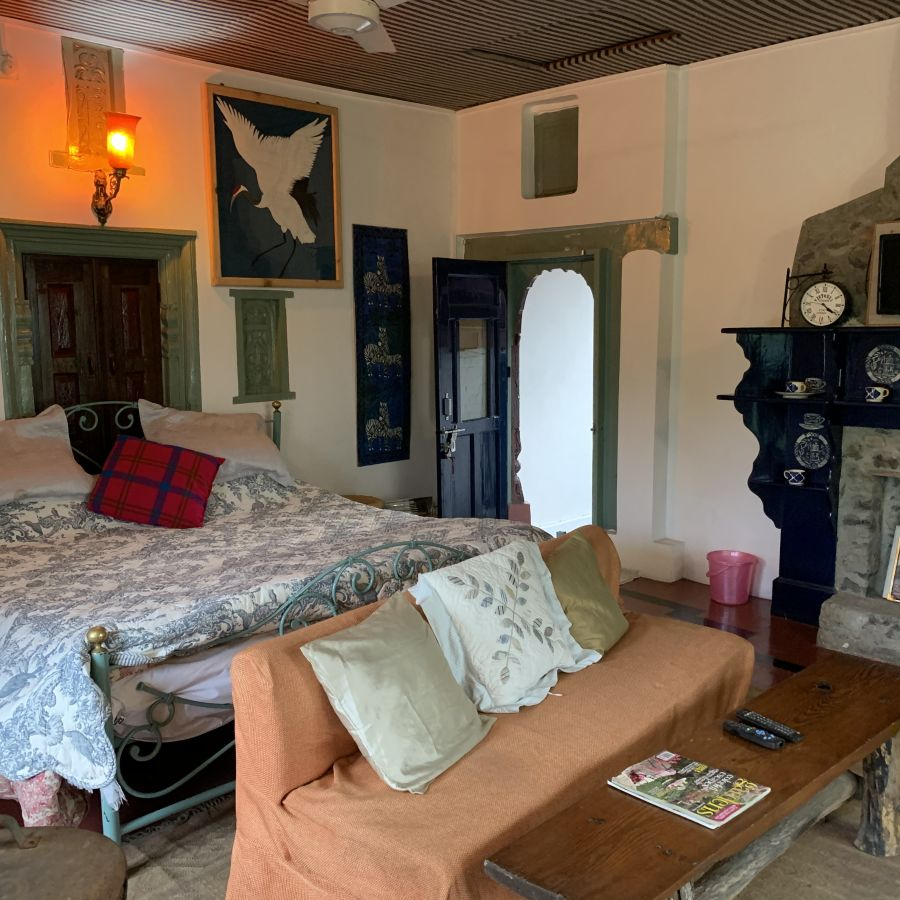 alt-text Deluxe Rooms 4 4, Bara Bungalow Jeolikote, Nainital budget hotel, hotel in Nainital