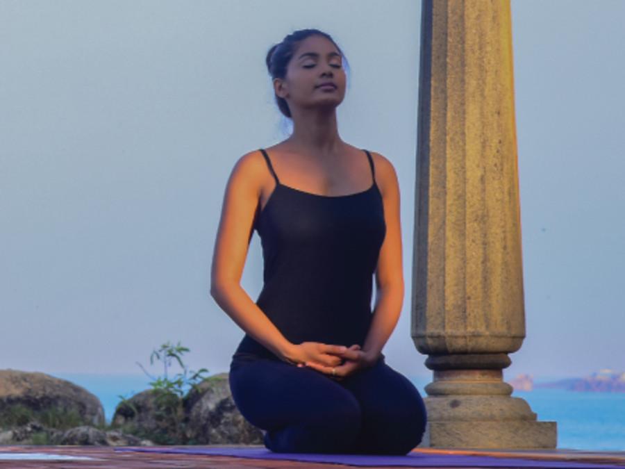 alt-text yoga