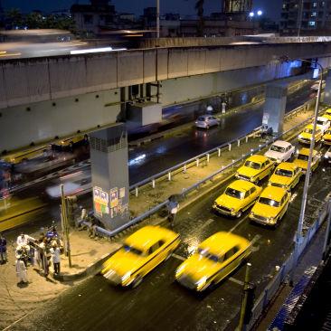 India - Kolkata rainy street - 3819