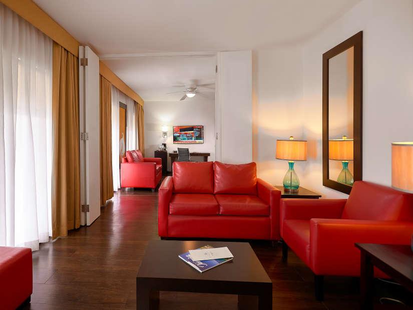 1 Bedroom Suite, Spanish Court Hotel, Kingston
