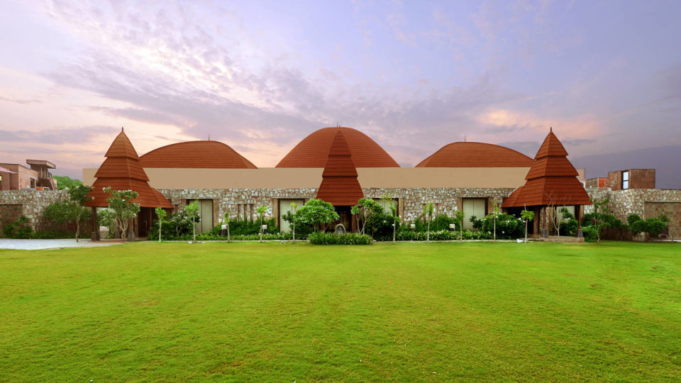green lawn at one of the best resorts in Udaipur