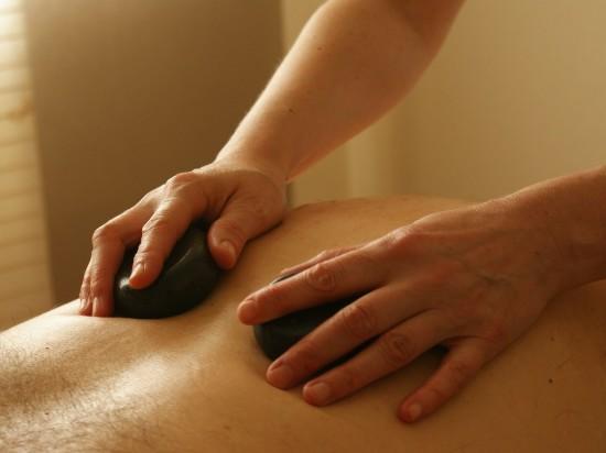 massage-389727 1280