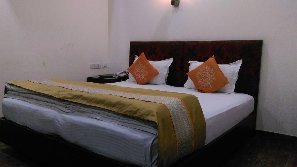 Hotel Aadhar, Gurgaon Gurgaon Deluxe Room Hotel Aadhar Gurgaon