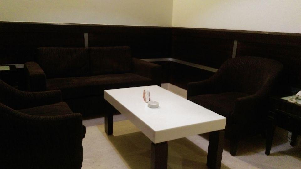 Hotel Aadhar, Gurgaon Gurgaon Suite Living Room Hotel Aadhar Gurgaon