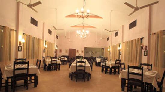 Restaurant at Infinity resorts Kanha, Restaurant in Kanha 1