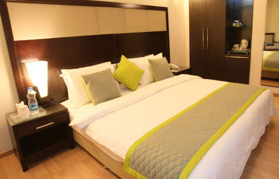 Emblem Hotels  PPAL6821