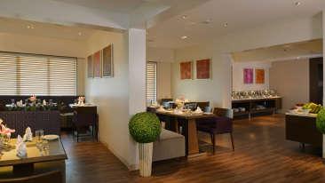 Tea Lounge Residency Sarovar Portico Mumbai 3