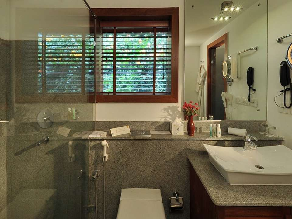 Annexe Sea View BathRoom 4