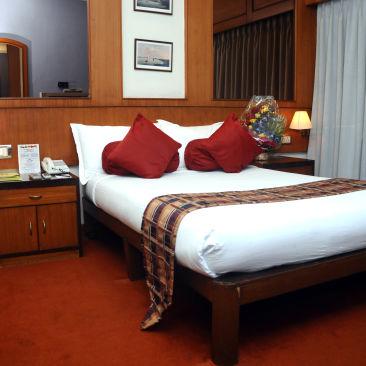 Suites in kolkata  Polo Calcutta Boathouse Kolkata  Budget Hotels in Kolkata 2