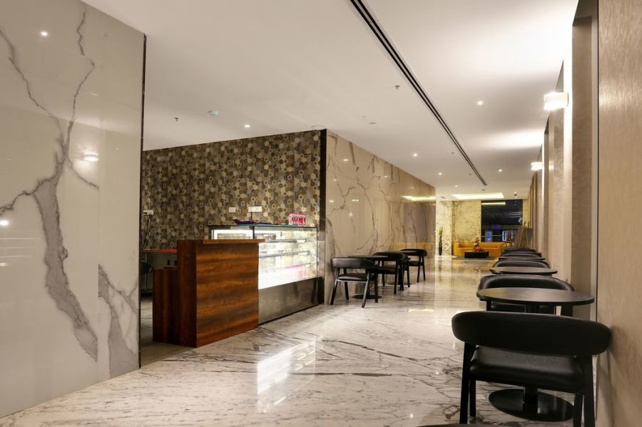 alt-text business hotel in Bangalore   fhtyjythv