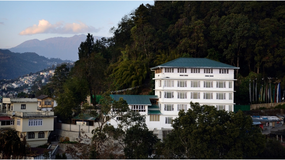 Facade Summit Namnang Courtyard Spa Gangtok 4