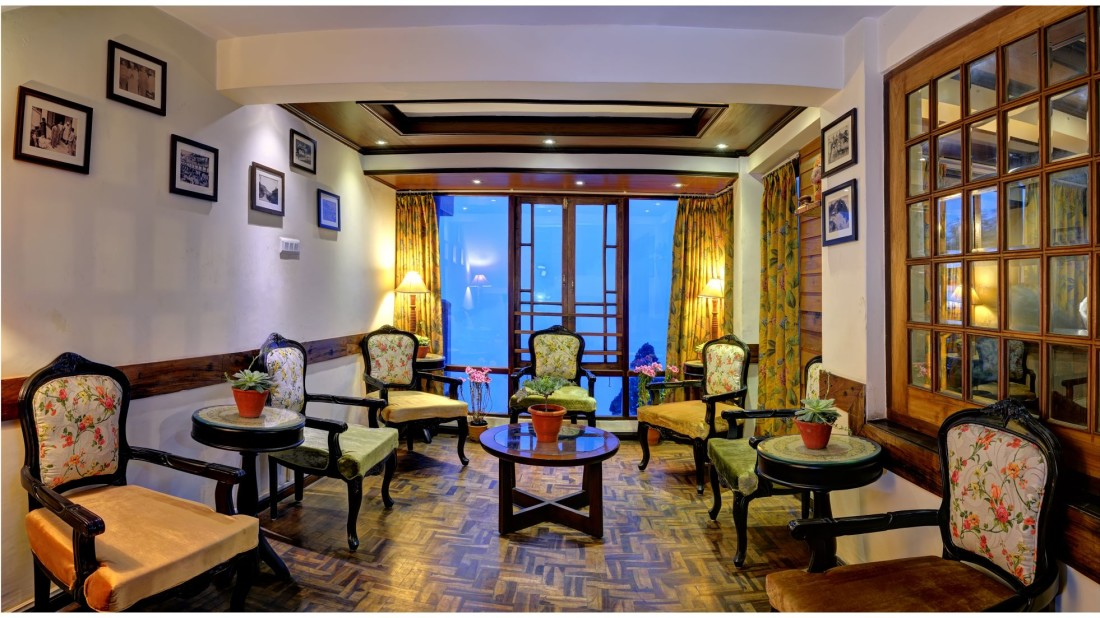 lobby Summit Grace Hotel and Spa, Darjeeling