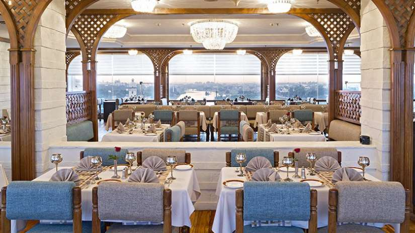 restaurants in Lucknow, Falaknuma Restaurant at Clarks Avadh, hotel near gomti river in Lucknow, Luknow Hotel