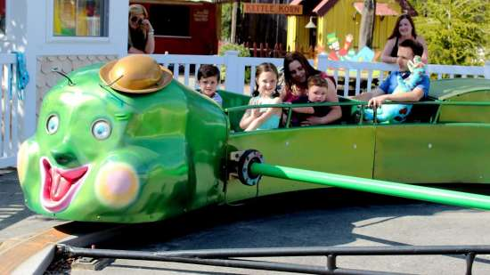 Black Thunder Water Theme Park - Caterpillar - Demo 6