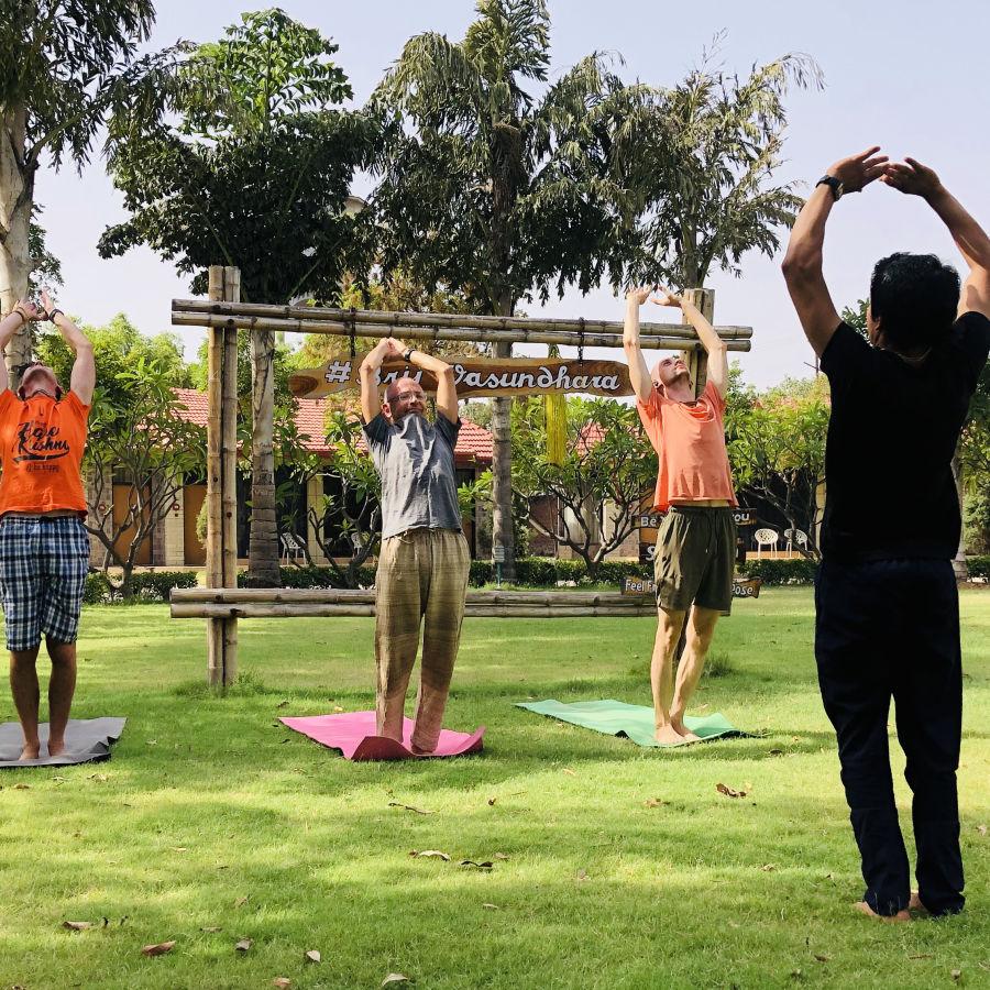 alt-text yoga 6