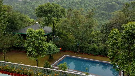 Pool Shaheen Bagh Resort Dehradun 3_Uttarakhand Best Resorts