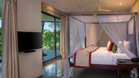 Luxury Private Pool Villa 3- A side