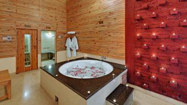 The Manali Inn Hotel Jacuzzi