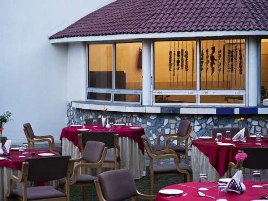 Leisure Hotels  Open dinning area