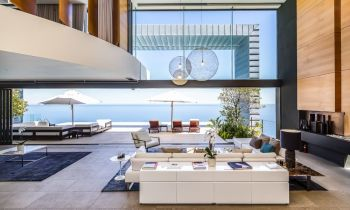Simply Online obo McWilliams & Elliott Attorneys, Port Elizabeth:  Alarming fall in luxury property sales in South Africa – now at the worst levels in 10 years