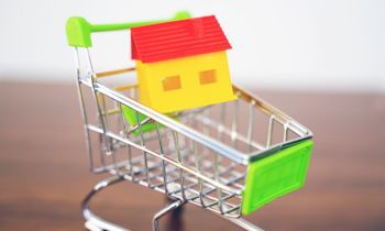 Simply Online obo Delport van den Berg, Menlyn Pretoria:  'South Africans are buying property as if it is a Black Friday sale'