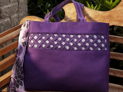 """Lattice Embellished Tote"" Free Tote Bag Pattern designed by & from Singer"