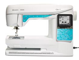 Opal™ 670 Sewing Machine