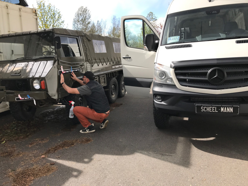 Adding scheel-mann livery to the Pinzgauer
