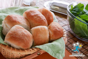Soft Whole-Wheat Dinner Rolls