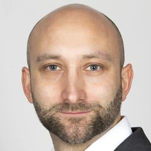 Adam Sierakowski - Consultant Plastic Surgeon