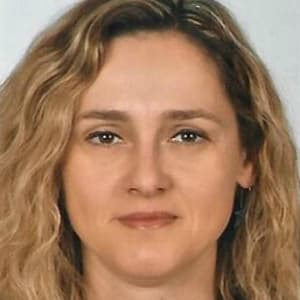 Julia Einwachter-Thompson - Dermatologist