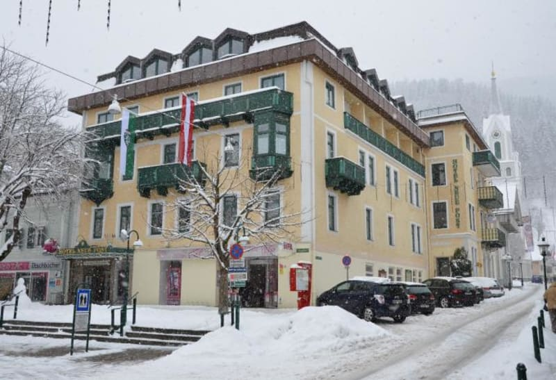 "Hotel ""Neue Post"""