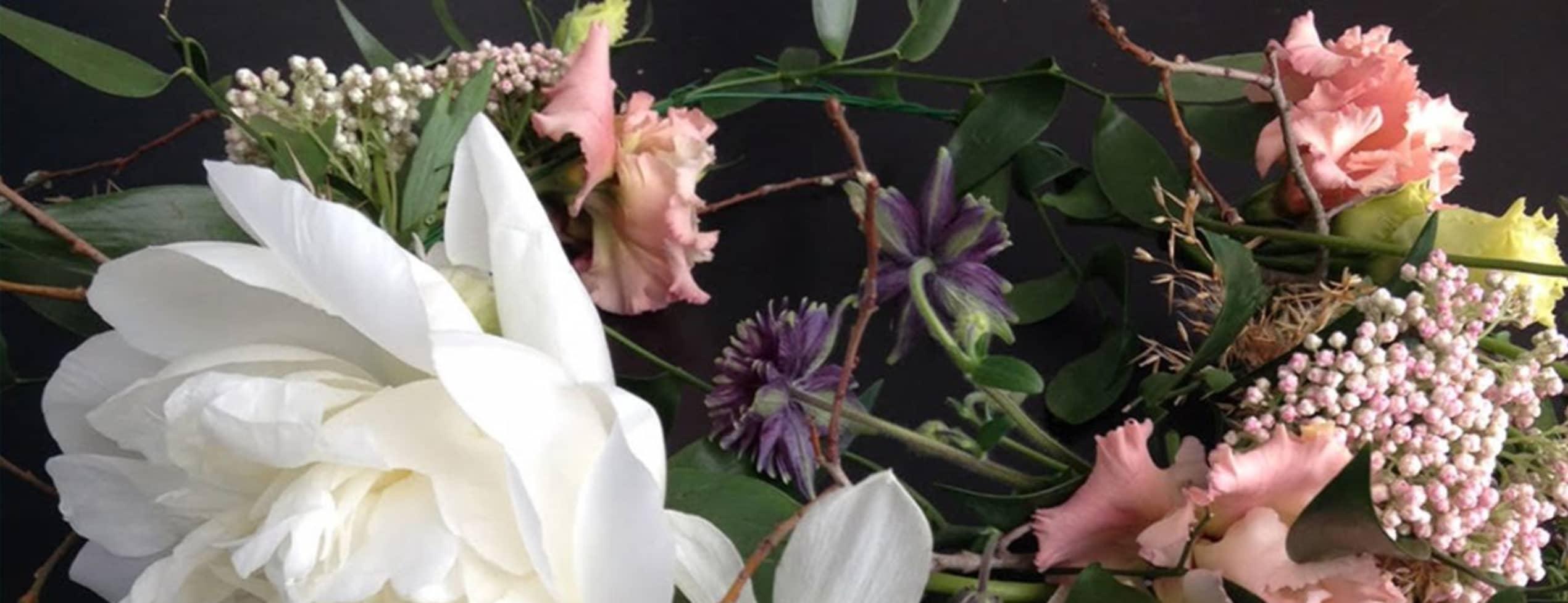 Create a lovely midsummer wreath