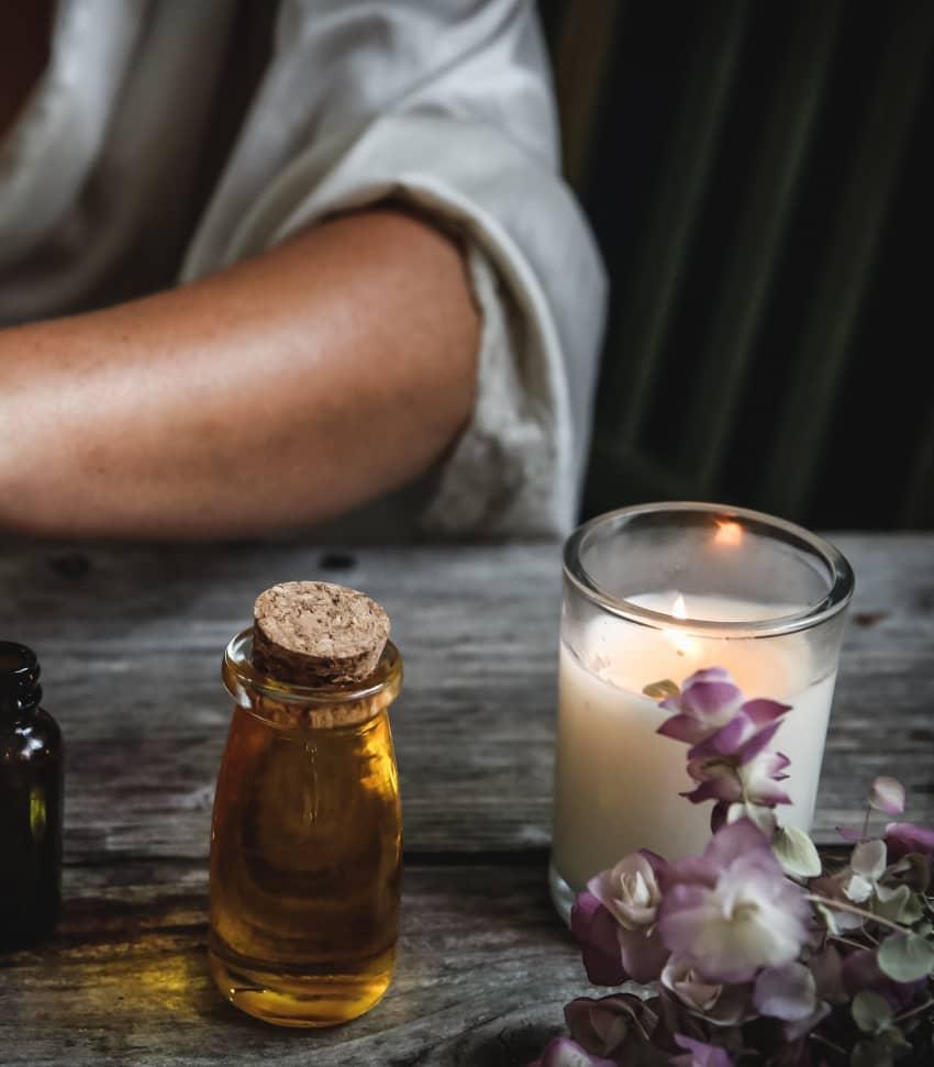 Lär dig om vad huden behöver och hur du enkelt kan göra egen hudvård
