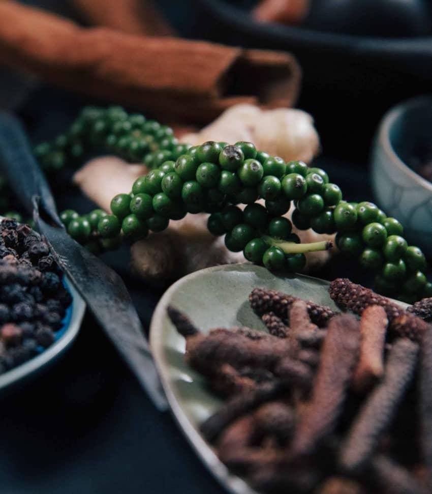 Kryddig matlagningskurs med peppar och världsinfluenser