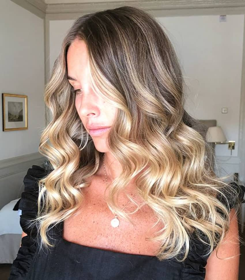 Style your hair - create natural waves
